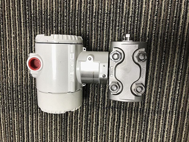 ABB 266DSHBSHA2A1V1L5B2M5 Differential pressure transmitter.